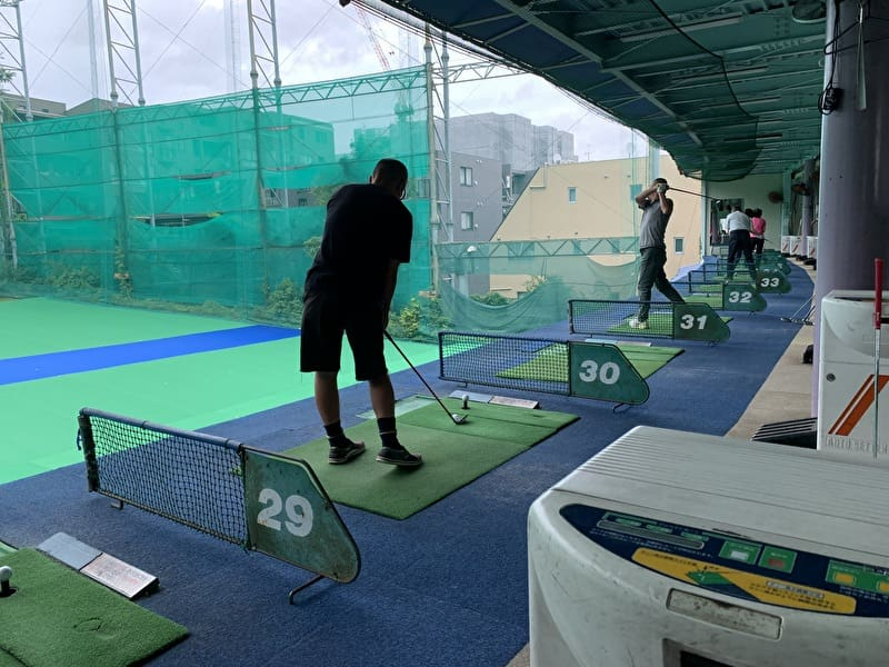 中目黒 目黒ゴルフ練習場 2階打席