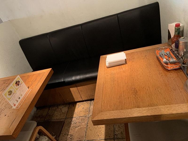 関谷スパゲティ 中目黒 テーブル席