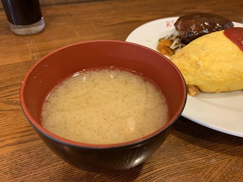 中目黒 キッチンパンチ オムライス ハンバーグのっけ 味噌汁