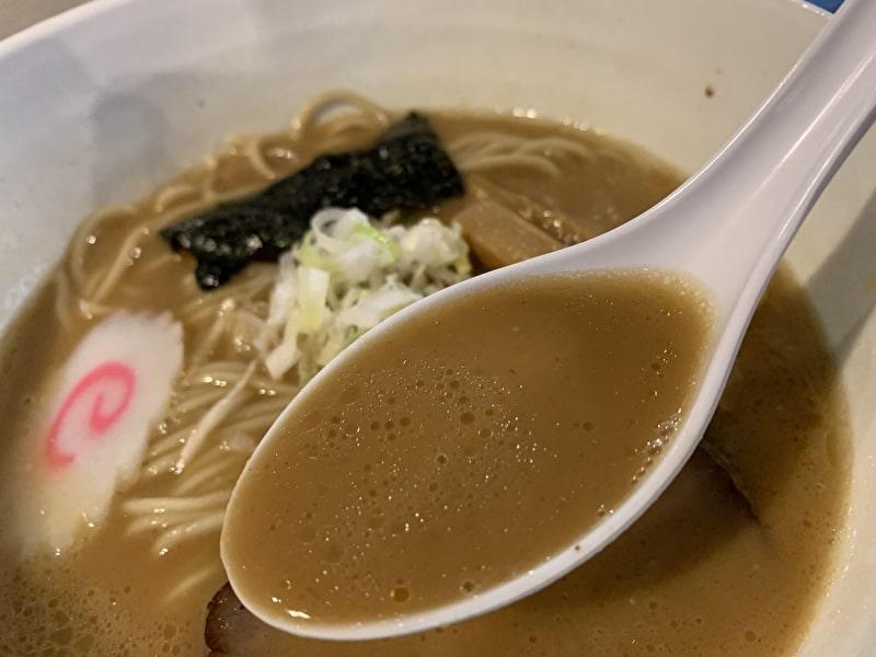 三ツ矢堂製麺 中目黒 豚骨魚介ラーメン スープ