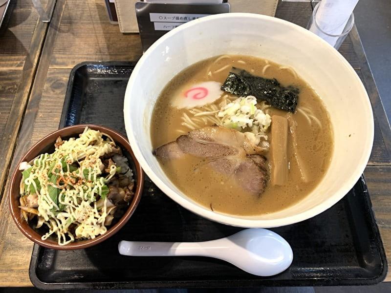 三ツ矢堂製麺 中目黒 豚骨魚介ラーメン チャーシューねぎマヨご飯