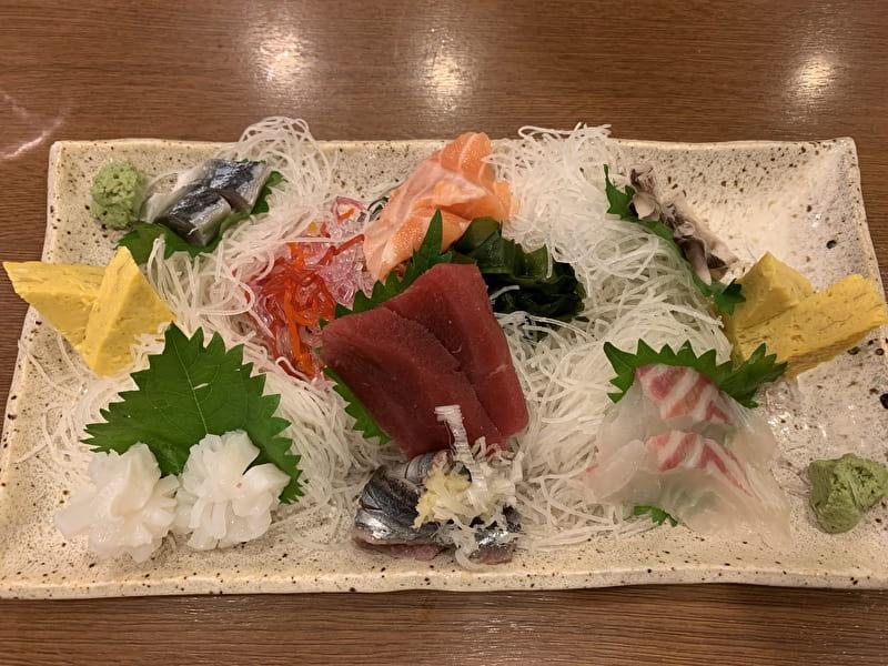 いろは寿司 中目黒 刺身盛り合わせ