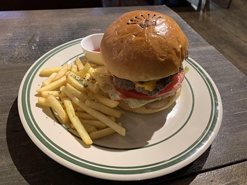 kingscafe キングスカフェ 中目黒 チーズバーガー