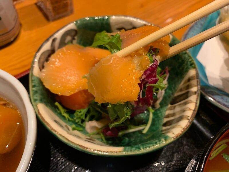 中目黒 ヒカリ サーモンサラダ